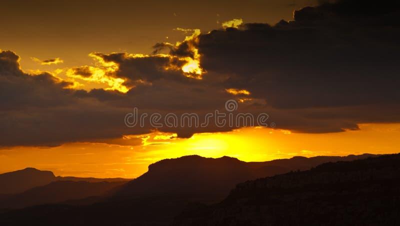 Zonsondergang in Catalonië royalty-vrije stock foto's
