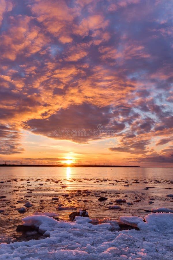 Zonsondergang in de Golf van Finland stock foto's