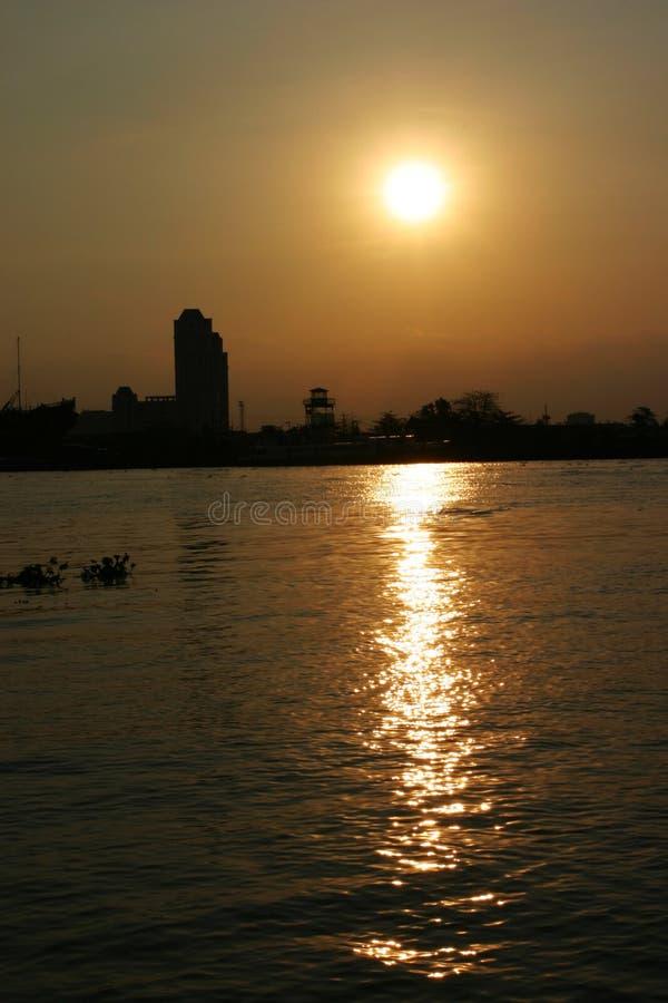 Zonsondergang in de Rode rivier royalty-vrije stock afbeelding