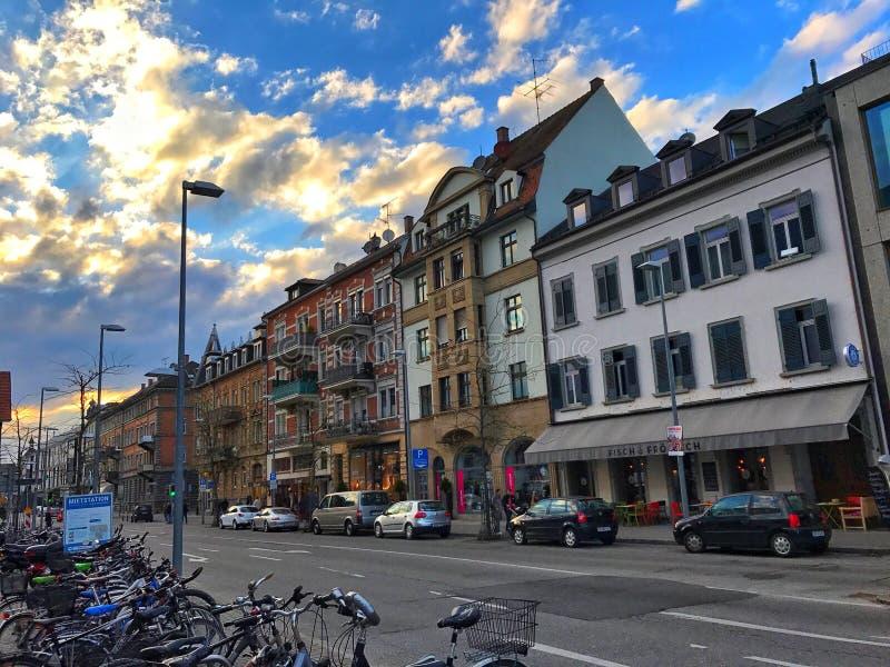 Zonsondergang in de stad royalty-vrije stock foto's