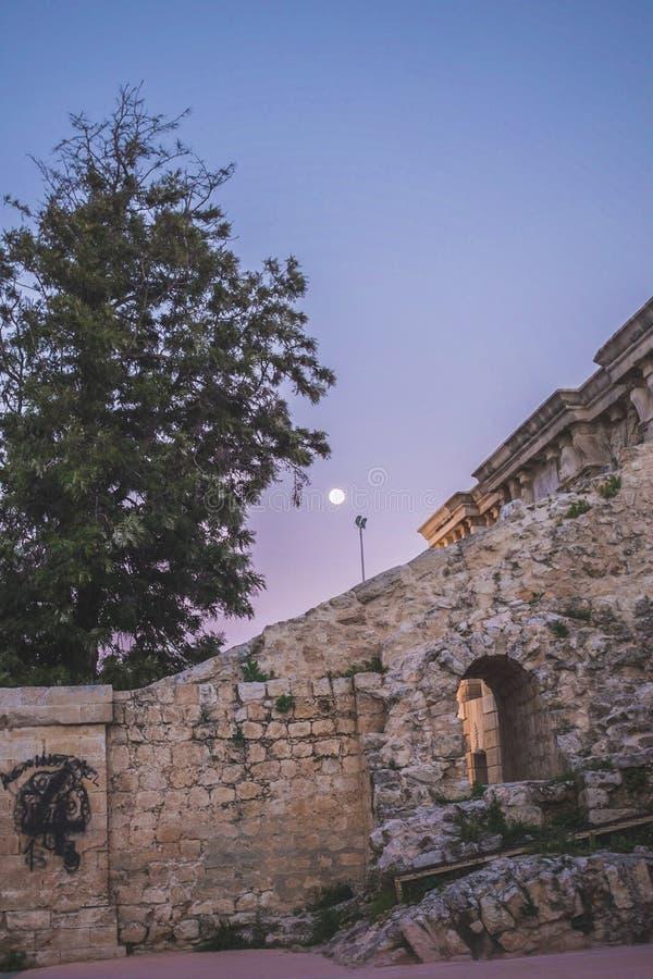 Zonsondergang in de stad van Heraklion royalty-vrije stock foto