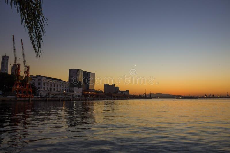 Zonsondergang in de winterdag in Rio de Janeiro royalty-vrije stock afbeelding