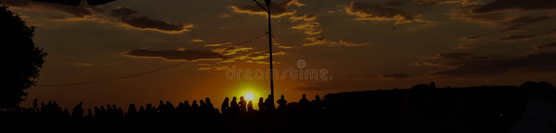 Zonsondergang dichtbij de Rivier royalty-vrije stock fotografie