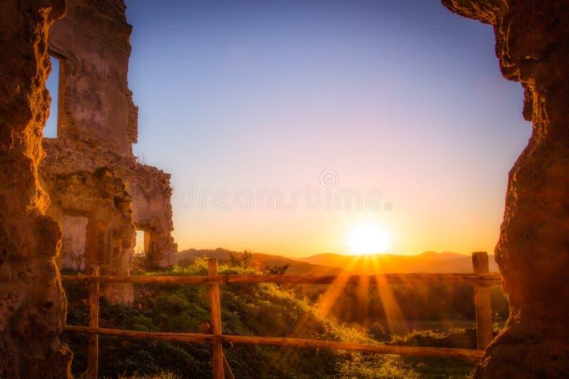 Zonsondergang dichtbij Rome stock afbeeldingen