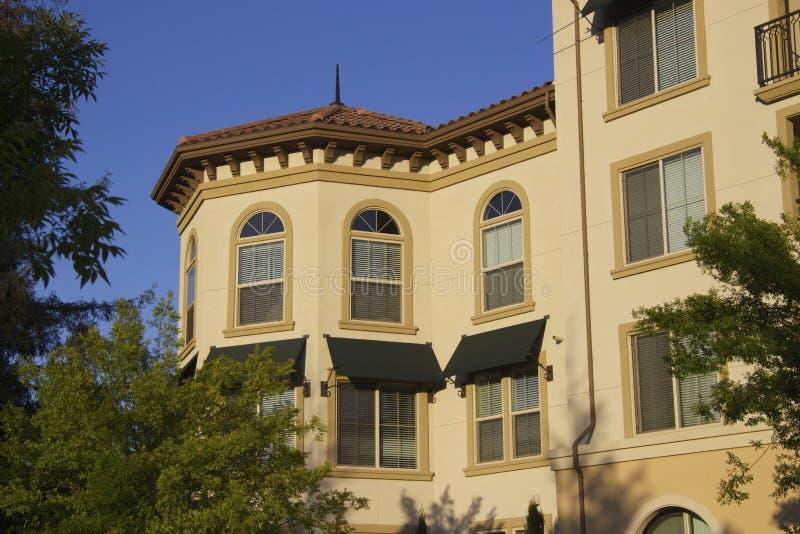 Zonsondergang en flats royalty-vrije stock foto