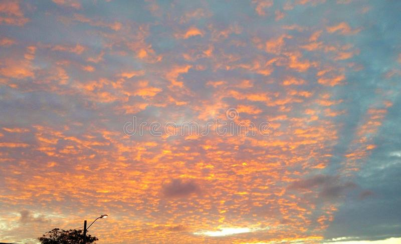 Zonsondergang en mooie hemel stock foto's
