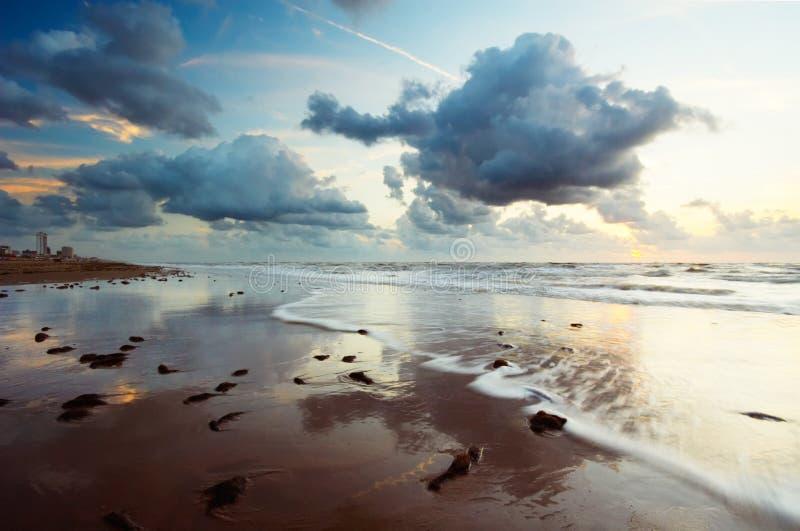 Zonsondergang en oceaan royalty-vrije stock fotografie