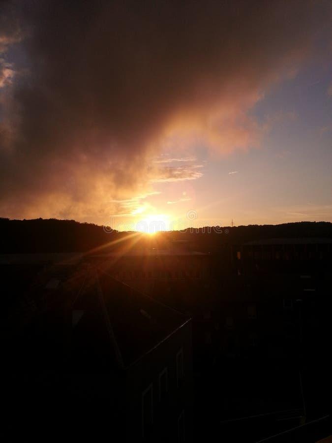 Zonsondergang en wolk royalty-vrije stock foto