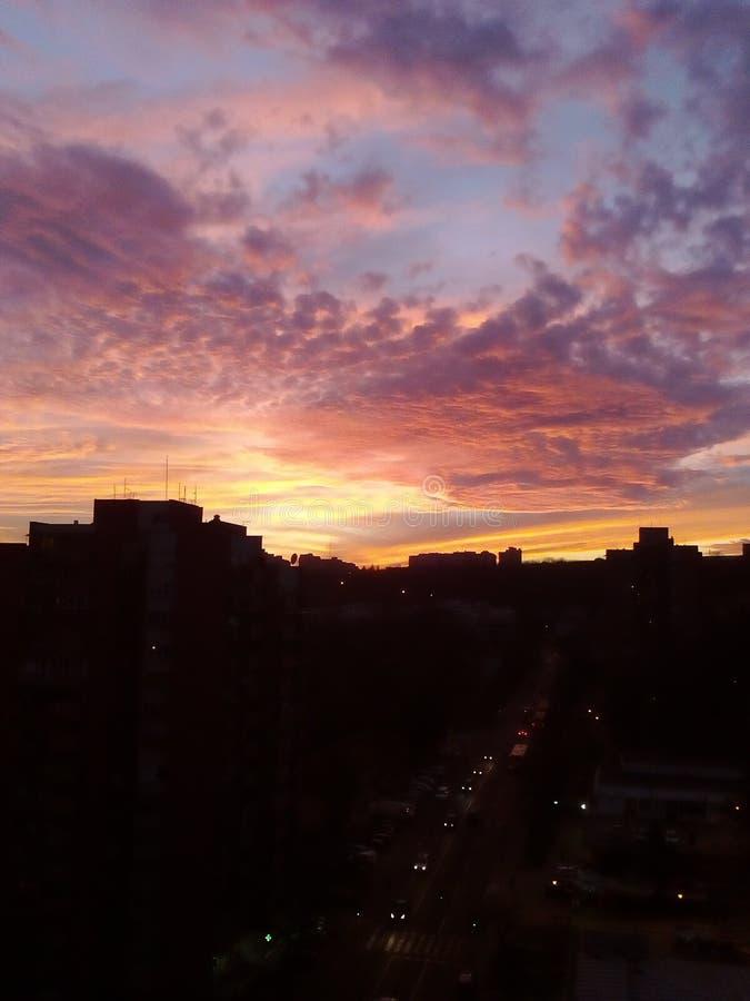 Zonsondergang ergens royalty-vrije stock fotografie