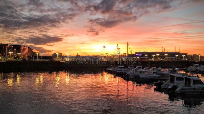 Zonsondergang in Gijon, Spanje stock foto