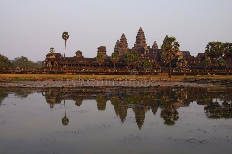 Zonsondergang, gopuratorens van Angkor Wat royalty-vrije stock afbeeldingen