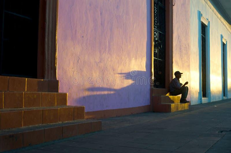 Zonsondergang in Granada Nicaragua stock afbeeldingen