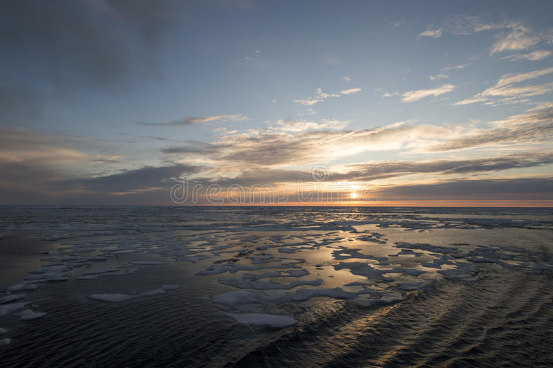 Zonsondergang in Groenland royalty-vrije stock foto's