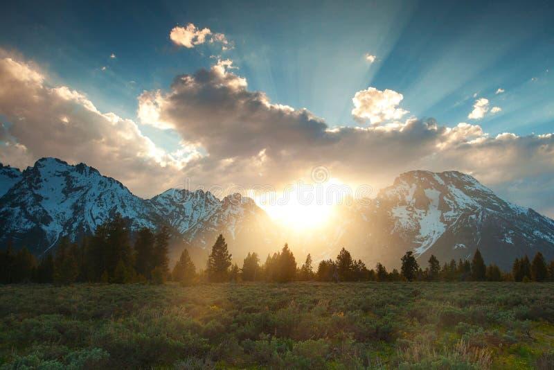 Zonsondergang in Grote Tetons stock fotografie