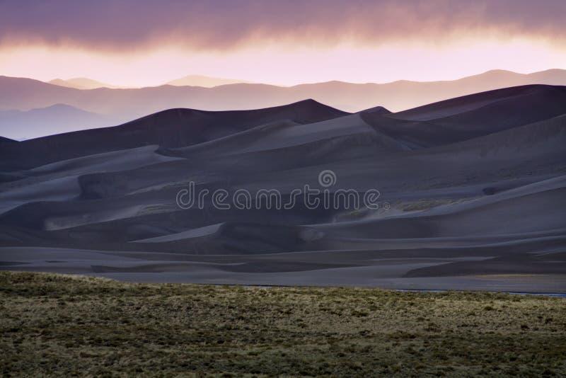 Zonsondergang in het Grote Nationale Park van de Duinen van het Zand royalty-vrije stock foto's