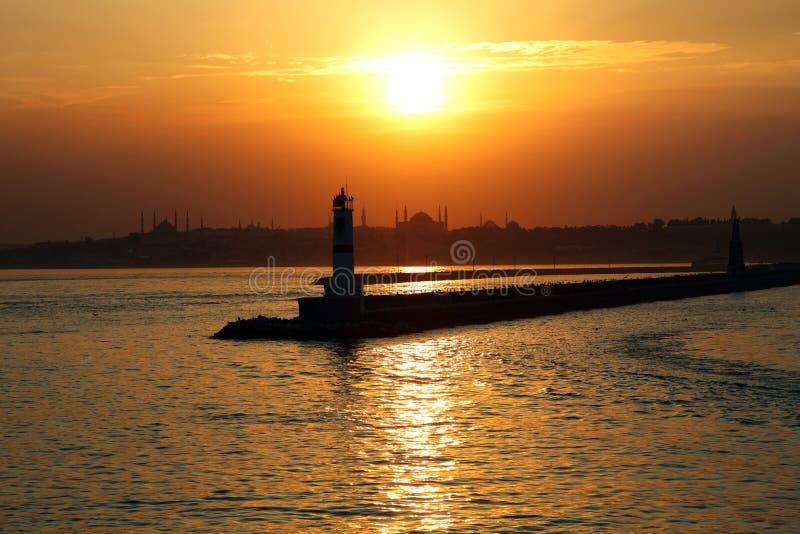 Zonsondergang in het historische schiereiland van Istanboel stock foto's