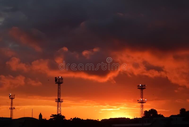 Zonsondergang Het landschap van de nacht stock foto