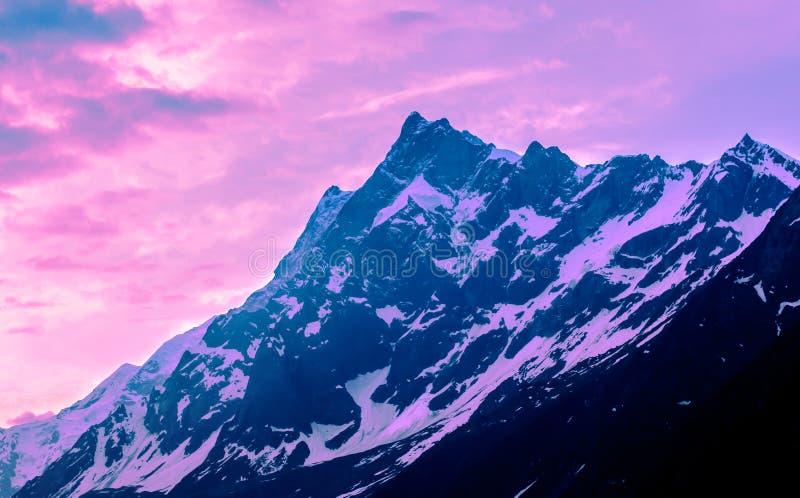 Zonsondergang in Himalayagebergte royalty-vrije stock foto's
