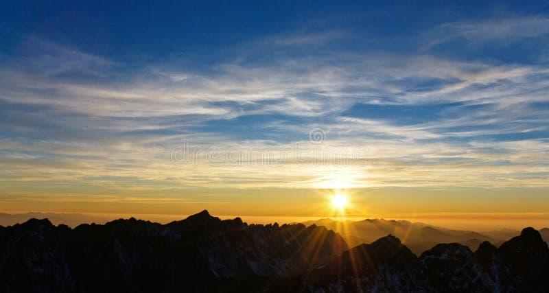 Zonsondergang in Hoge Tatras, Slowakije stock foto's