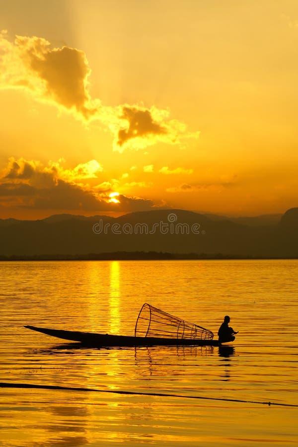 Zonsondergang, Inle-Meer, Myanmar stock afbeeldingen