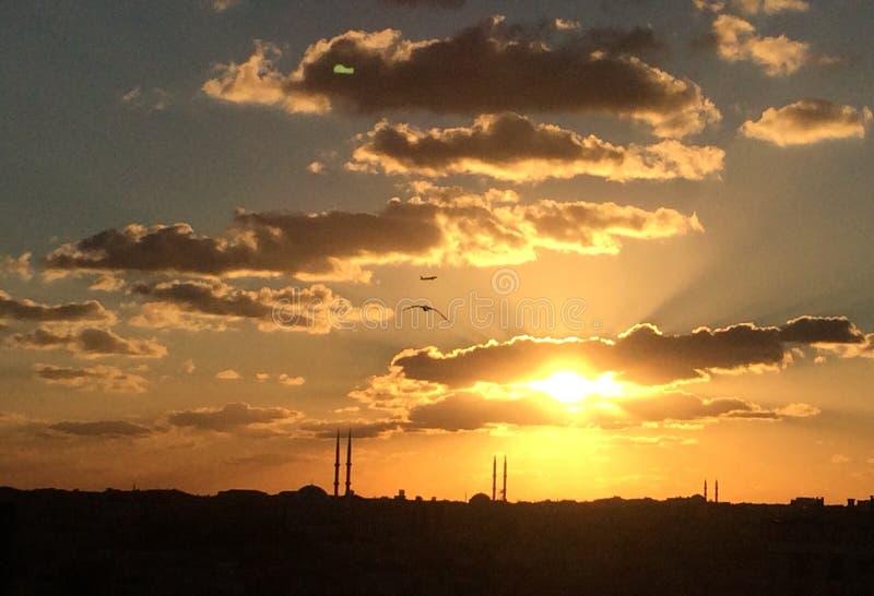 Zonsondergang in Istanboel royalty-vrije stock afbeeldingen