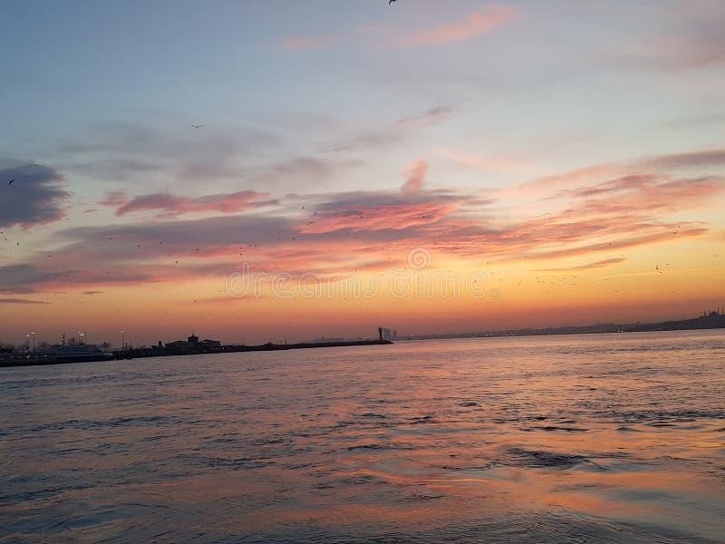 Zonsondergang in Istanboel stock afbeelding