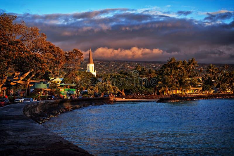 Zonsondergang in Kailua-Stad, Kona-Kust, Groot Eiland Hawaï, de V.S. stock afbeelding