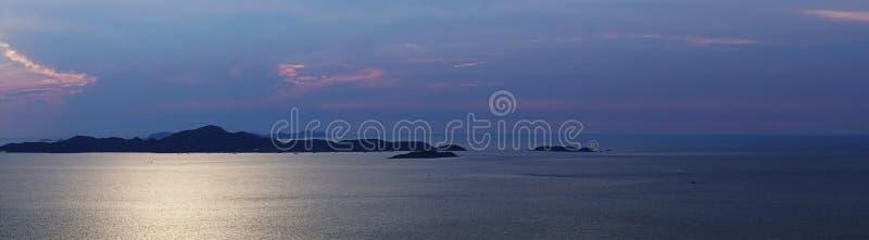 Zonsondergang in Koh Larn Island in Thailand stock afbeelding