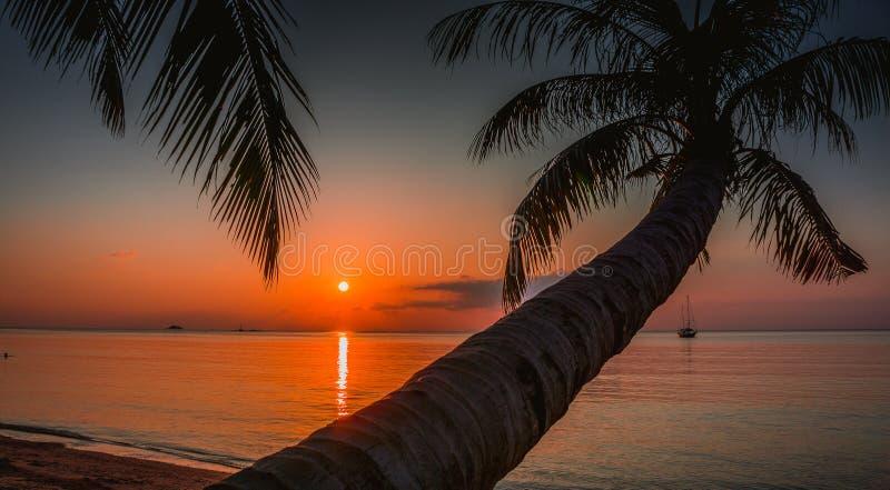 Zonsondergang Koh Phangan Thailand stock fotografie