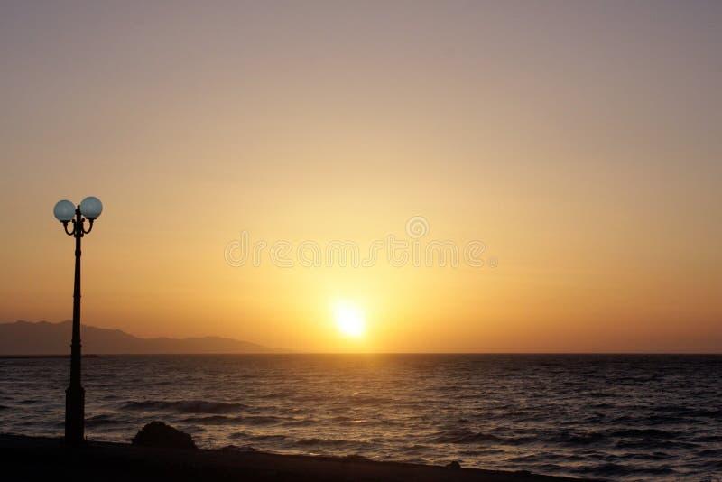 Zonsondergang in Kreta stock afbeeldingen