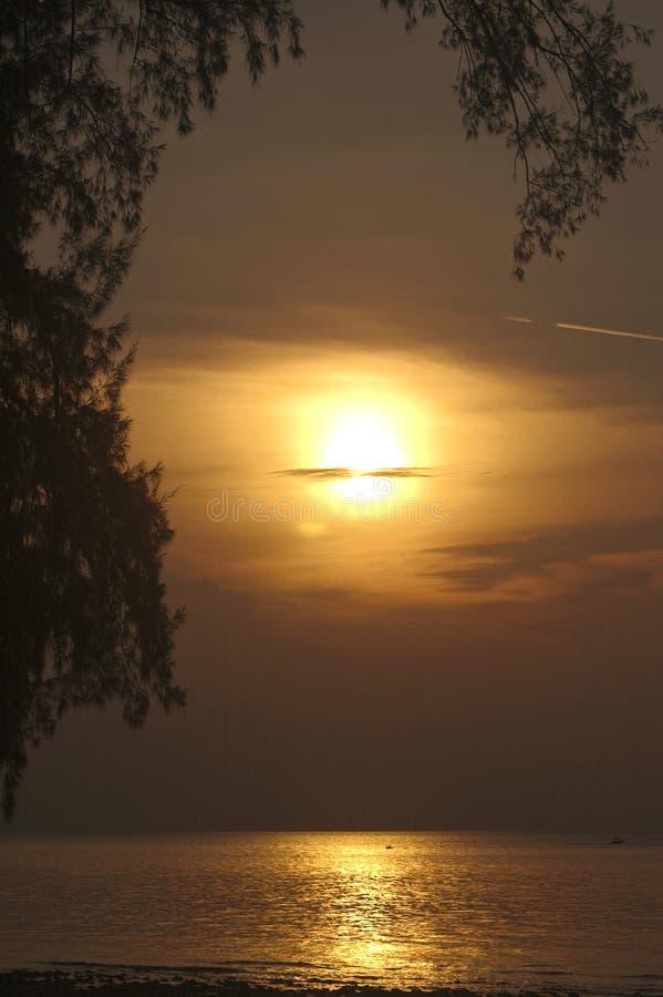 Zonsondergang in Maleisië royalty-vrije stock afbeeldingen