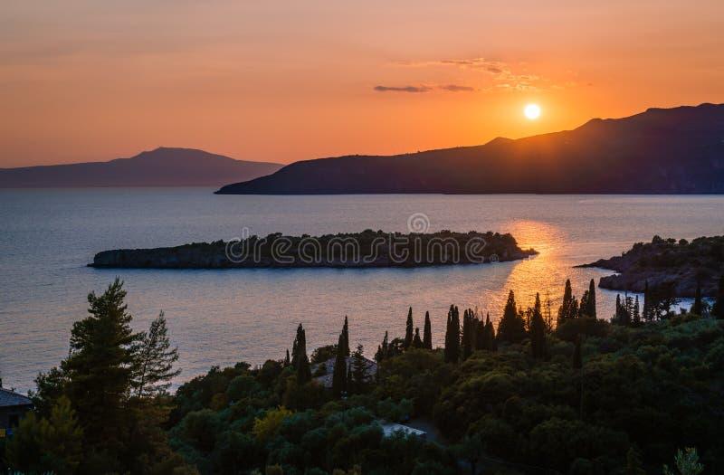 Zonsondergang in Mani, Griekenland royalty-vrije stock afbeelding
