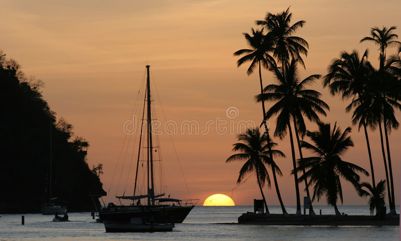Zonsondergang in Marigot Baai, St Lucia royalty-vrije stock foto's