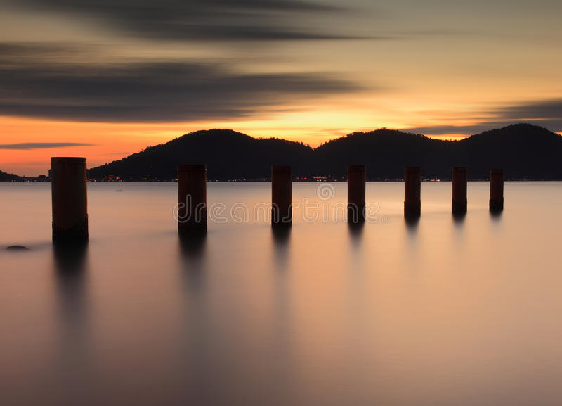 Zonsondergang in Marina Island, Lumut, Maleisië royalty-vrije stock fotografie
