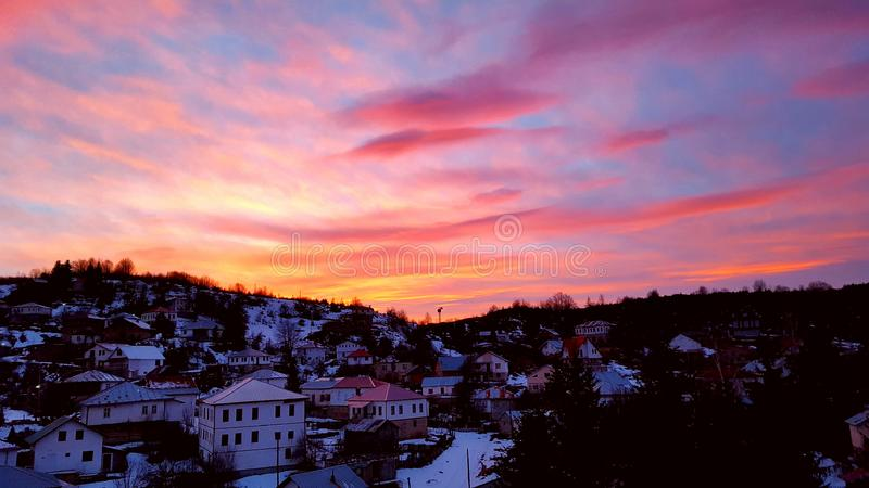 Zonsondergang in mijn dorp royalty-vrije stock afbeeldingen