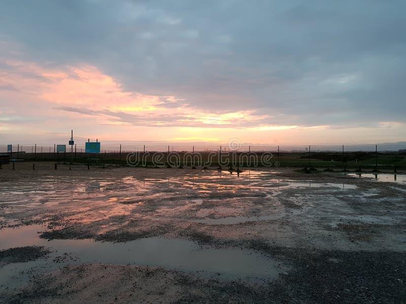 Zonsondergang na een regenachtige dag stock fotografie