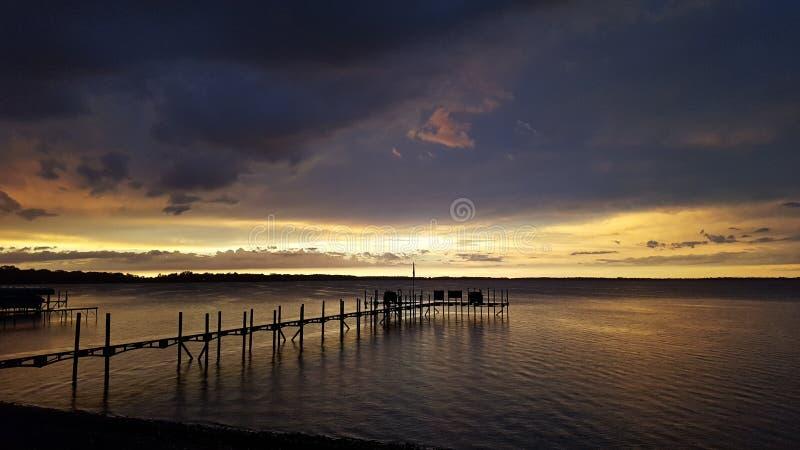 Zonsondergang na het onweer royalty-vrije stock foto
