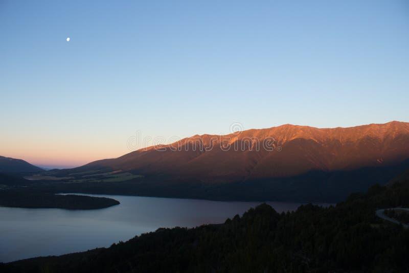 Zonsondergang in Nelson Lake New Zealand royalty-vrije stock foto's