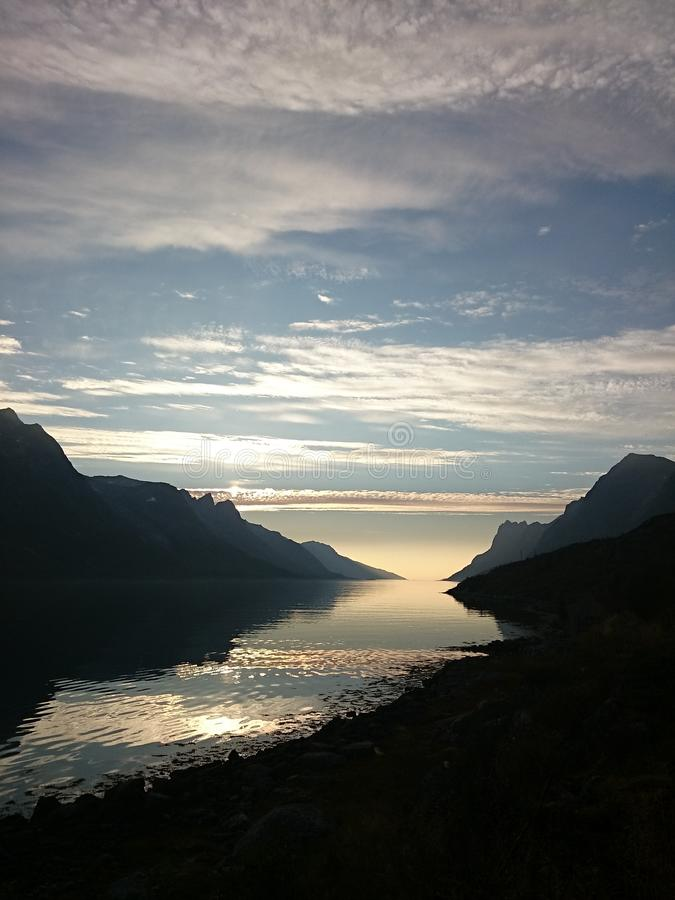 Zonsondergang in Noorwegen stock afbeelding