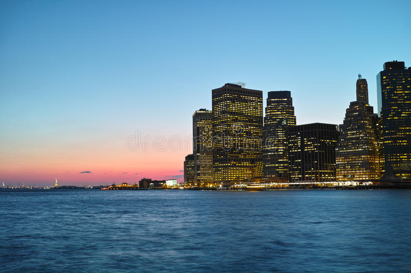 Download Zonsondergang in NYC stock foto. Afbeelding bestaande uit york - 39110498