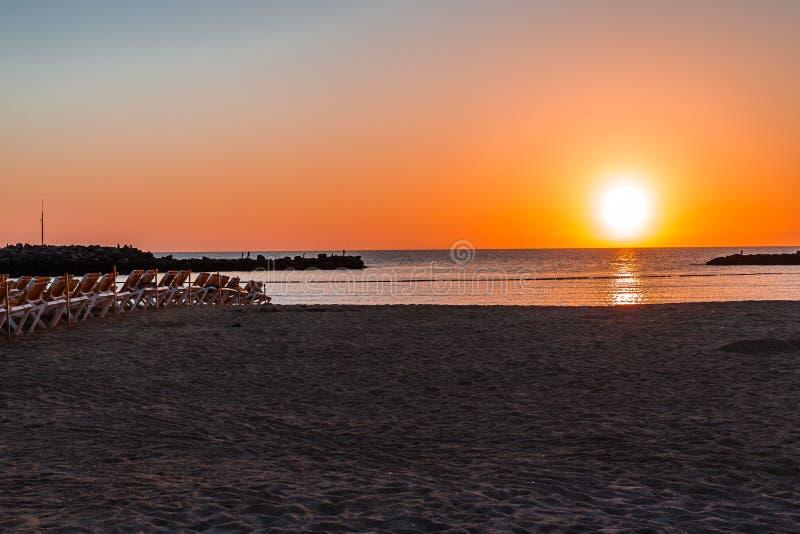 Zonsondergang op Amadores strand-Puerto Rico, Gran C , Spanje royalty-vrije stock afbeelding