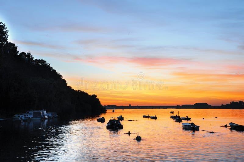 Zonsondergang op de Donau royalty-vrije stock fotografie