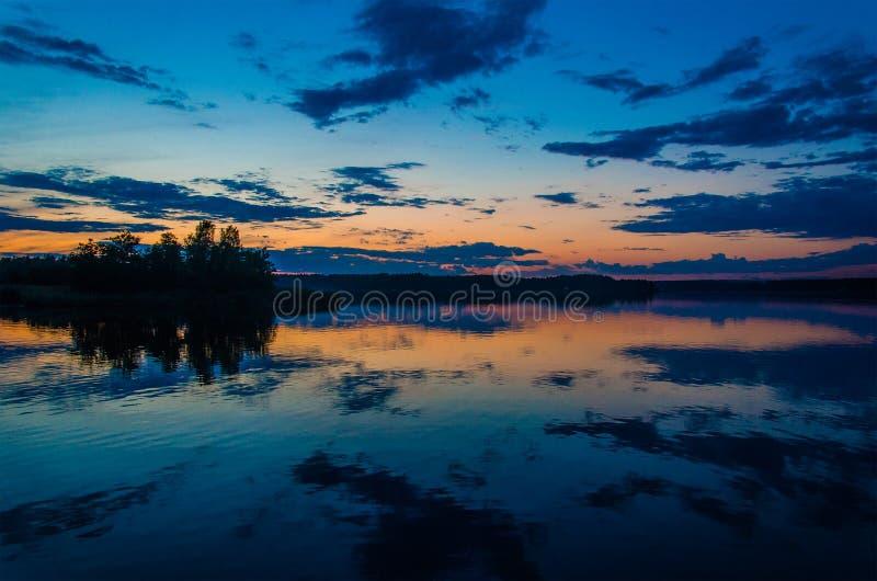 Zonsondergang op de Golf van Finland royalty-vrije stock afbeeldingen