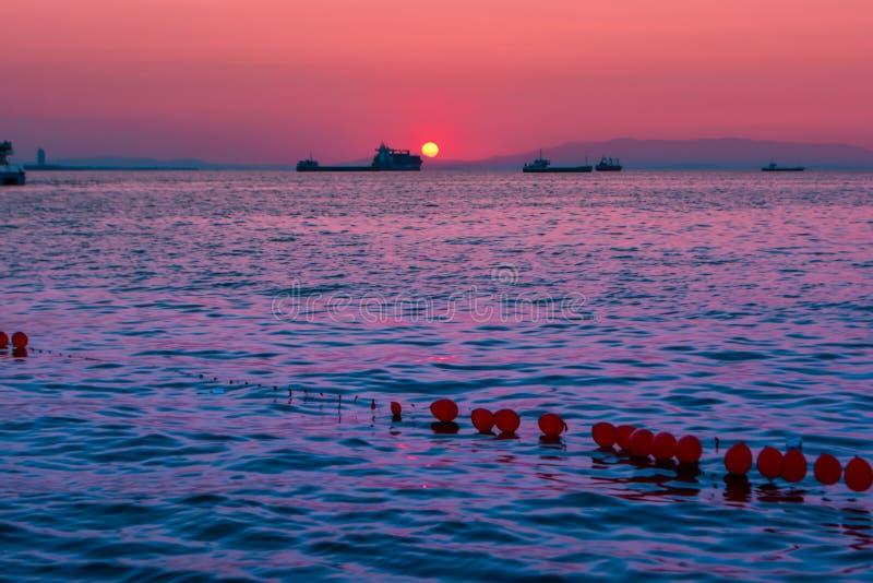 Zonsondergang op de horizon royalty-vrije stock foto