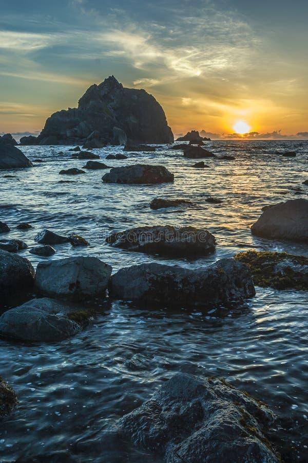Zonsondergang op de kust van Oregon royalty-vrije stock foto's