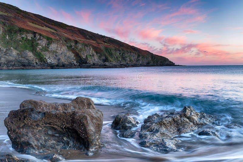 Zonsondergang op de Kustlijn Van Cornwall royalty-vrije stock fotografie