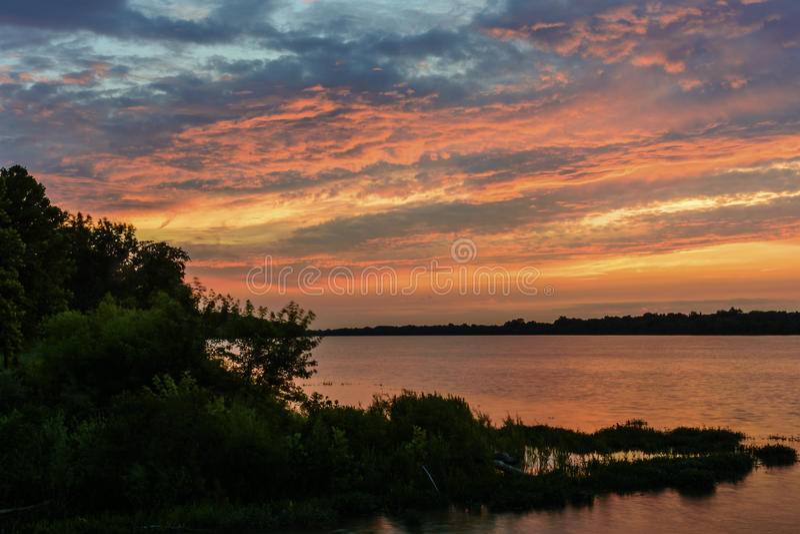 Zonsondergang op de Maumee-Rivier royalty-vrije stock afbeelding