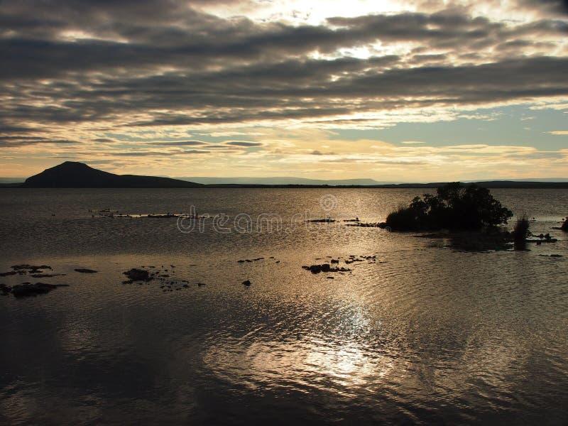 Zonsondergang op de oceaan stock afbeeldingen