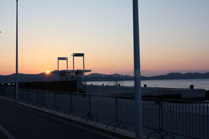 Zonsondergang op de zeekust royalty-vrije stock fotografie