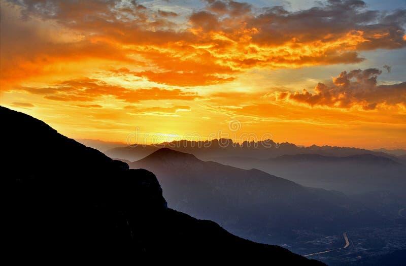 Zonsondergang op Dolomiet royalty-vrije stock afbeeldingen